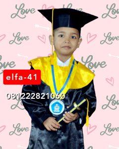 41 baju toga wisuda anak TK di Tangerang