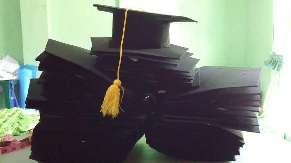 topi wisuda sekolah tinggi di bogor