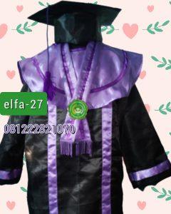 27 baju toga wisuda anak SMP di Kalimatan