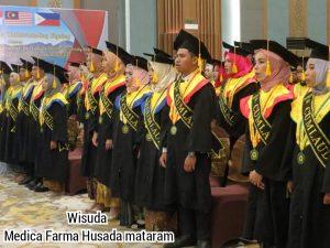 wisuda sarjana poltek Mataram